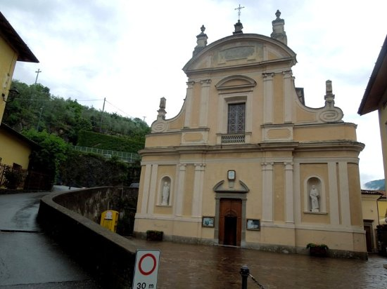 Riva di Solto, Włochy: фасад