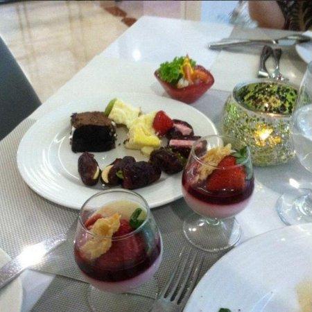 Hawthorn Suites by Wyndham, JBR Dubai : Десерт