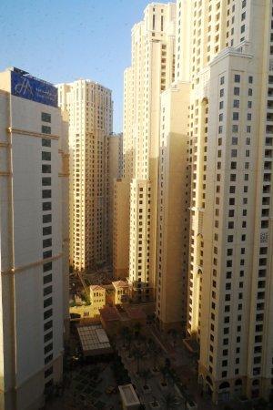 Hawthorn Suites by Wyndham, JBR Dubai : Вид из номера, 18 этаж