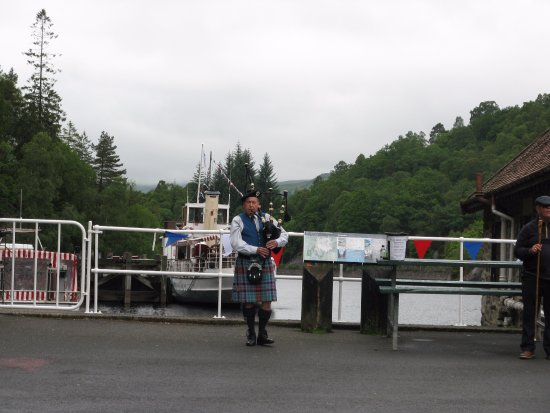 The Bield Guesthouse: Loch Katrine Piper