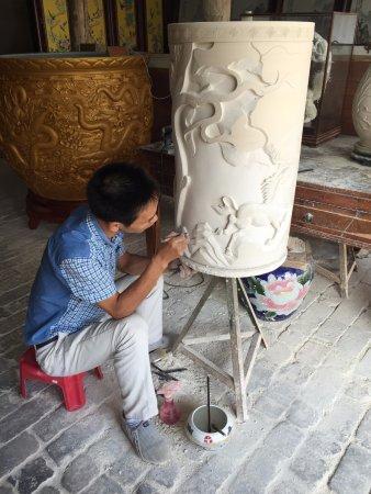 Jingdezhen, Κίνα: Handcarving