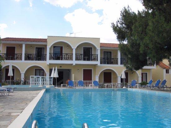 Iliessa Beach Hotel: Dejlig pool