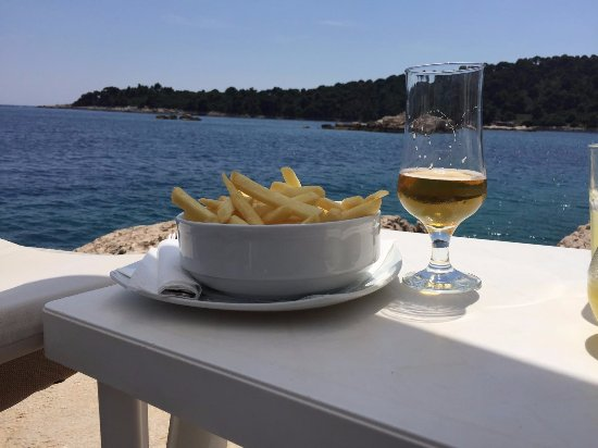 Sudurad, Kroatien: Snack by the sea