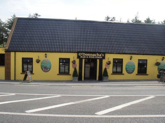 O'Donnachas Bar: Front of our traditional Irish bar