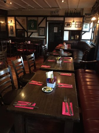 O'Donnachas Bar: All set up for another group booking.