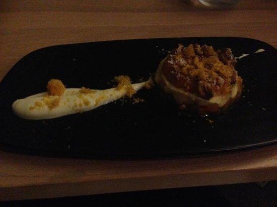 Kawau Island, Nueva Zelanda: Dessert. Persimmon crumble.