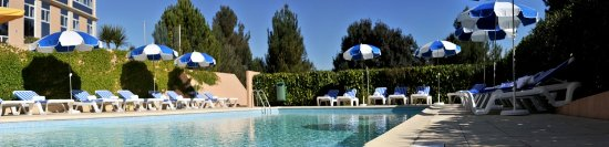 Hotel Royal Mirabeau by HappyCulture : Pool