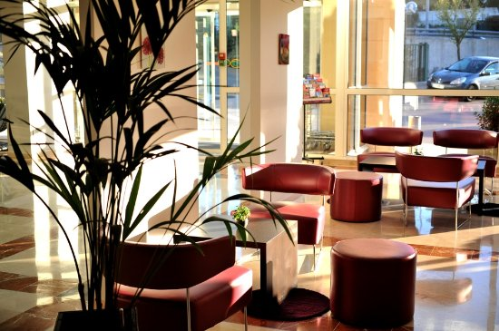 Hotel Royal Mirabeau by HappyCulture : Lobby