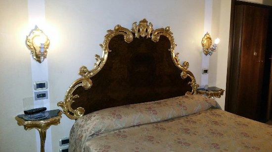 Hotel San Moise: 20160607_222241_large.jpg