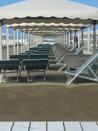 Una spiaggia splendida foto di bagno brunella e ada beach lido di camaiore tripadvisor - Bagno brunella lido di camaiore ...