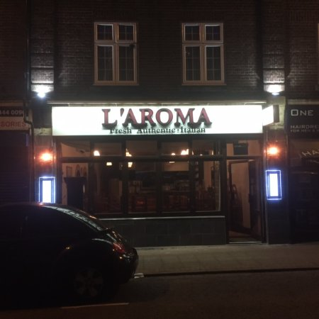 L'Aroma: Front of Restaurant
