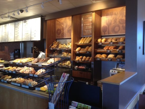 Cicero, NY: Panera Bread - bread counter