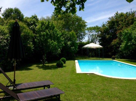 Saint Magne de Castillon, Francia: Pool