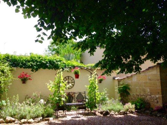 Saint Magne de Castillon, Francia: Garden