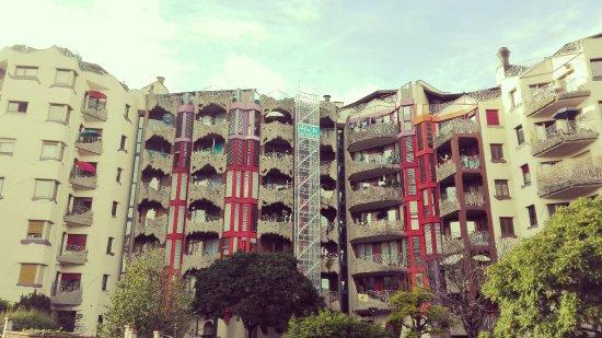 Schtroumph Buildings: IMG_20160611_194120_large.jpg