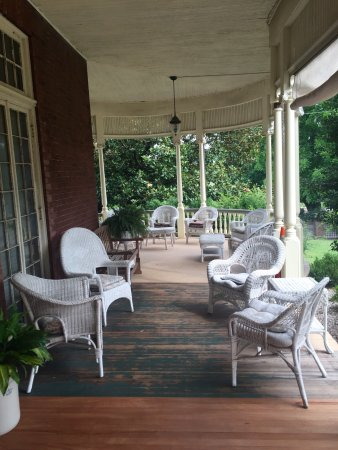 The Carriage House Inn Bed and Breakfast: photo7.jpg