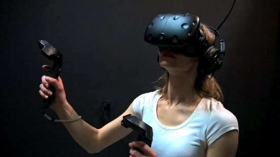 ‪VR project - virtual reality center‬