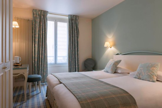 Chambre Double Classique - Picture of Hotel Saint-Ferdinand by ...