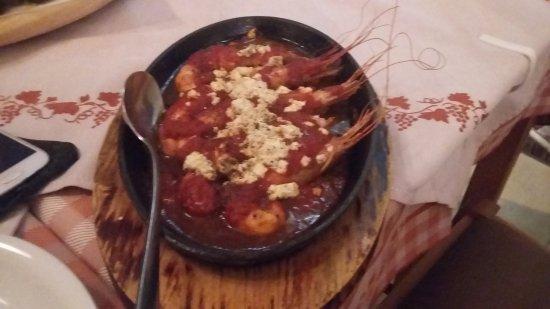 gamberoni con pomodoro e feta