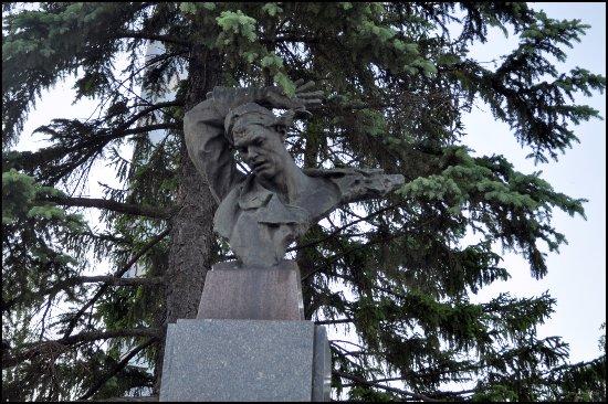 Nikolai Gastello Statue