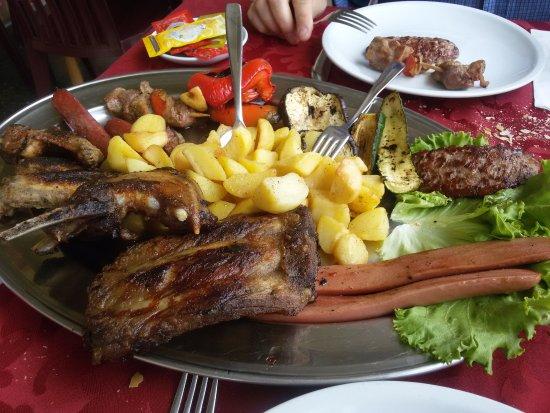 Passerano Marmorito, Italien: grigliata di carne