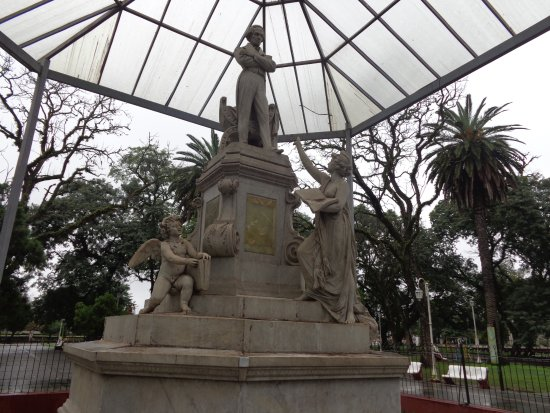 Plaza Juan B. Alberdi