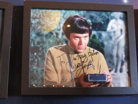 Vulcan, Canada: Signed photo 1