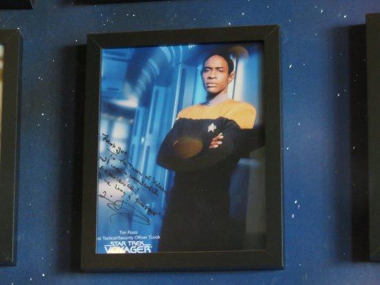 Vulcan, Canada: Signed photo 2