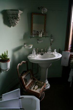 Cere La Ronde, Frankrike: salle de bain dans la tour