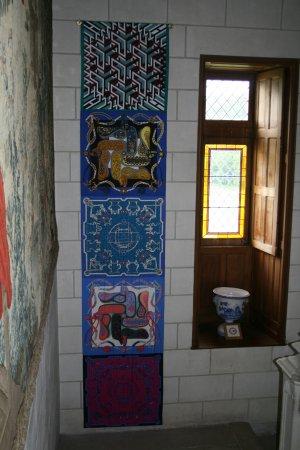 Cere La Ronde, Frankrike: collection carré hermes