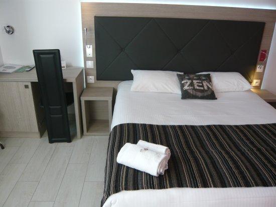 chambre pmr picture of hotel port gruissan tripadvisor