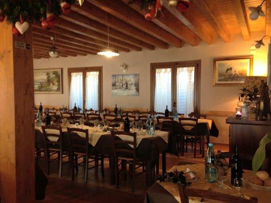 Nebbiuno, Italia: La Sala