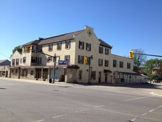 Walkerton, Canada: This hotel has the same age with canada, and 3 prime ministers had been visited  here in its his