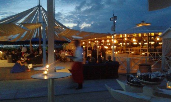 Matrimonio In Spiaggia Forte Dei Marmi : Buffet spiaggia foto di bambaissa forte dei marmi tripadvisor