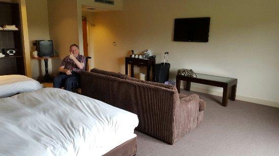 Peak Edge Hotel: 20160603_160623_large.jpg