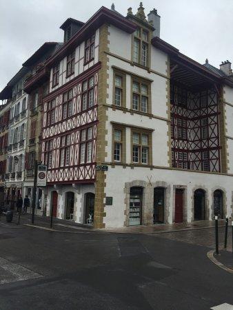 Produits f tes de bayonne photo de office de tourisme de bayonne bayonne tripadvisor - Bayonne office de tourisme ...