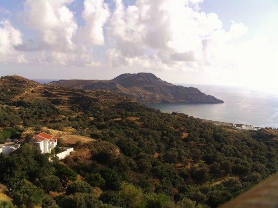 The Village Apartments : the studio has coastal view to the sea