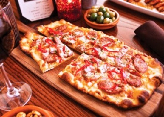 pizza party picture of super pizza craiova tripadvisor. Black Bedroom Furniture Sets. Home Design Ideas