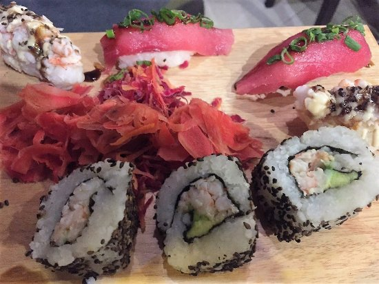 Sakura Sushi : Rice to other ratio is a little high