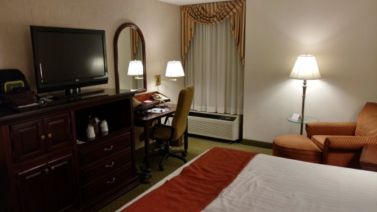Drury Inn & Suites St. Louis Fenton: Standard King Room (2/2)