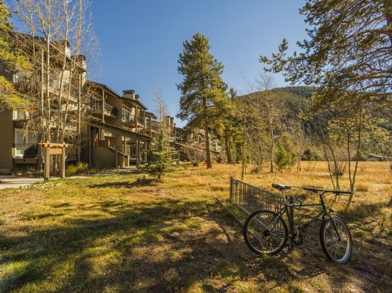 The Pines Condominiums: 200 yards to the Summit County Recreation Path
