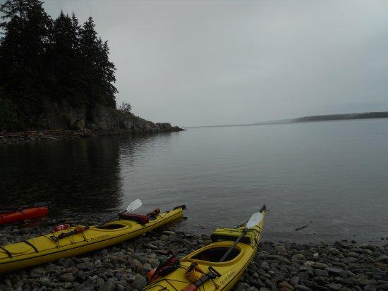 Heriot Bay, Kanada: Taking a break to stretch.