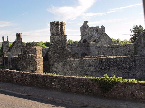 Cesh Corran: 12th century abbey over the road