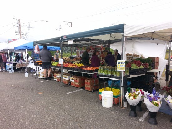 Bothell, Ουάσιγκτον: Lots of great produce and fresh flowers