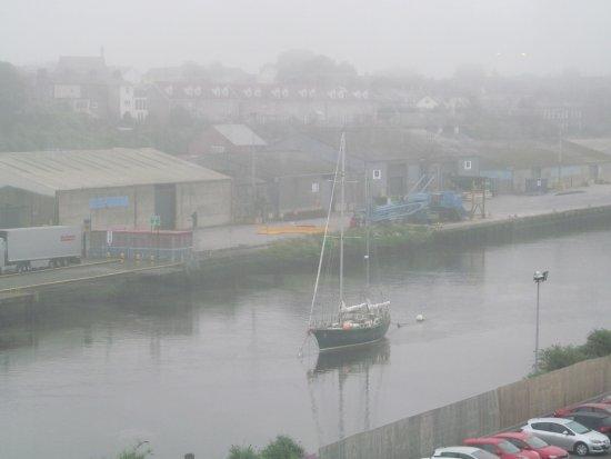 Drogheda, Irlanda: view of the river