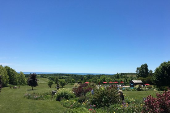 Ste. Anne's Spa: The view from the restaurant overlooking Lake Ontario