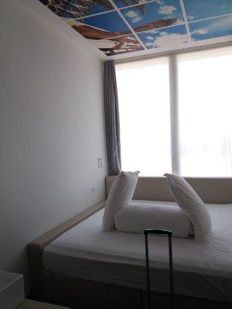 letto king size, comodissimo - Picture of Espressohotel, Segrate ...