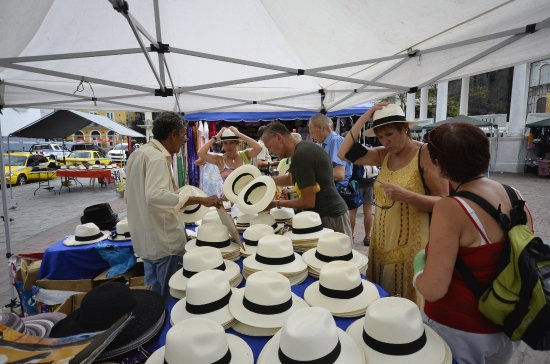 Venta de sombreros en la plaza - Foto van Casco Viejo 28f17abc0aa