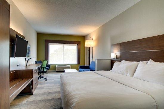 Holiday Inn Express & Suites Aurora - Naperville: Bridal Suite