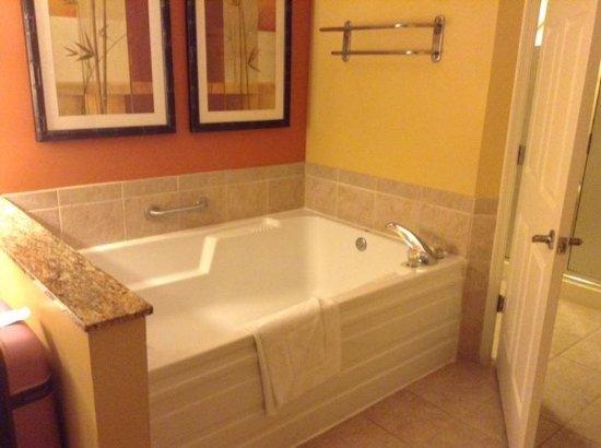 Marriott's Villas at Doral: jet tub